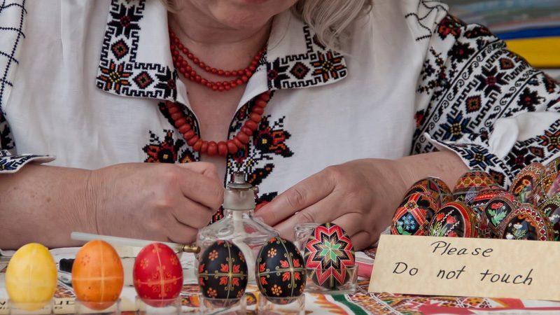 Ukraine-egg-painting---Victoria-Pickering