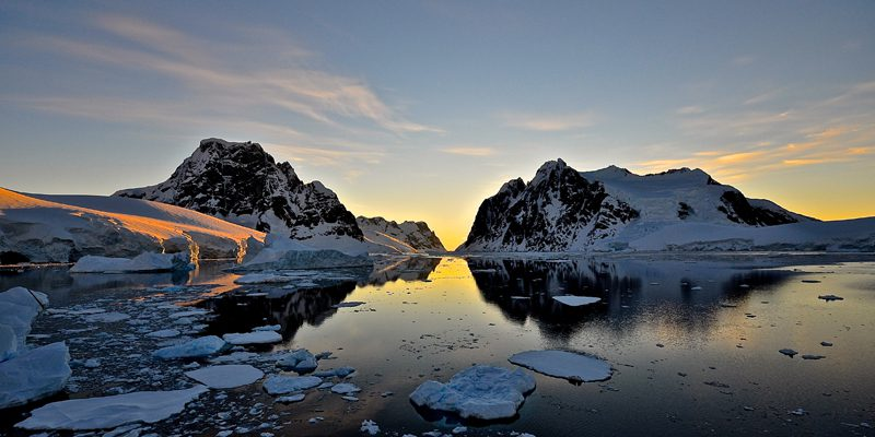 Antarctica_sunset_Lemaire-Channe