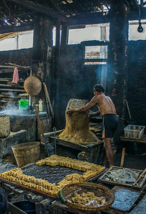 indonesia_java_salatiga_tofu-factory_Brent-Clues