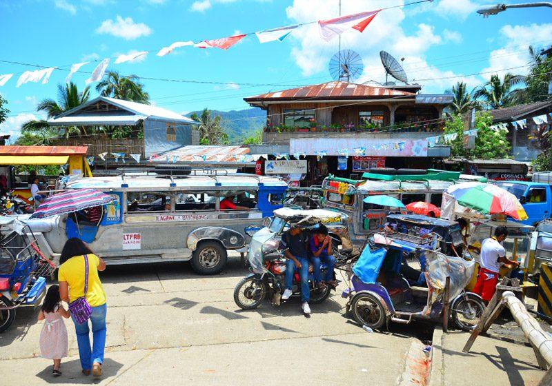 philippines_kiangan_busy-street-traffic_Patrick-Arnold