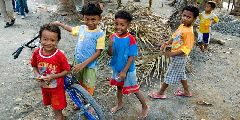 (resized)-yogyakarta-kids- credit Jonoathan credit-