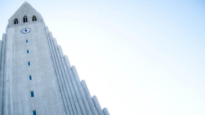 The rocket-ship dome of Hallgrmskirkja. Image trontmort, Flickr