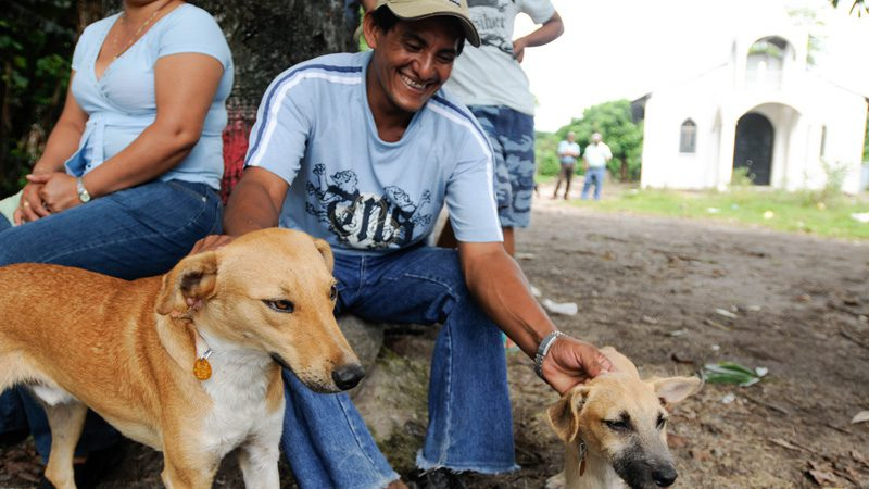 El Salvador - The friendliest locals you're likely to meet. Image 807th Medical Command, Flickr