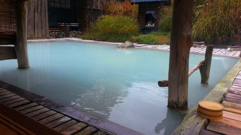 An outdoors onsen. Image Isriya Paireepairit, Flickr