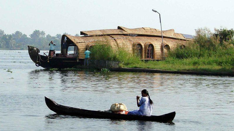 kerala-houseboat---credit-Koen-Thanks-1-Mios-View