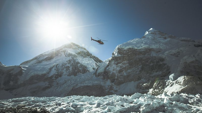 Sherpa_47_Helicopter-over-the-Himalayas