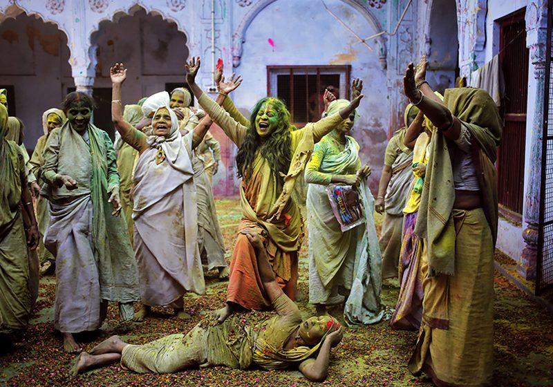 India_Holi_festival_Anindito_Mukherjee