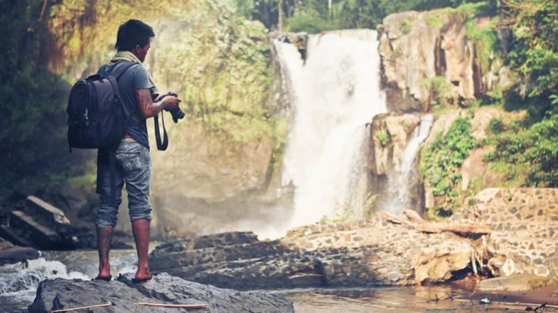 solo-travel-island-guide---_-;