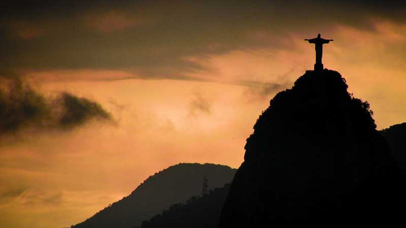 Rio-travel-guide,-Christ-the-Redeemer---Anthony_Goto