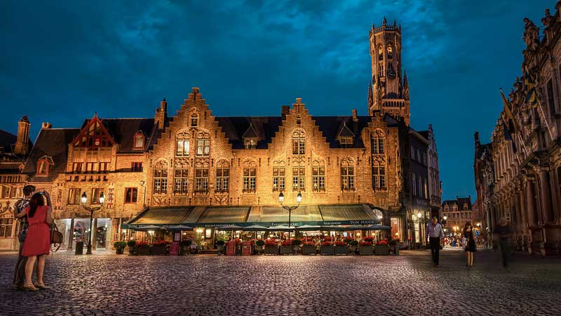 Bruges-night-square---Jacob Surland
