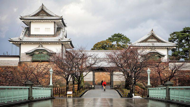 kanazawa-castle-lost-in-my-heart