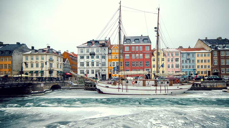 copenhagen-ship-river-roman-pfeiffer