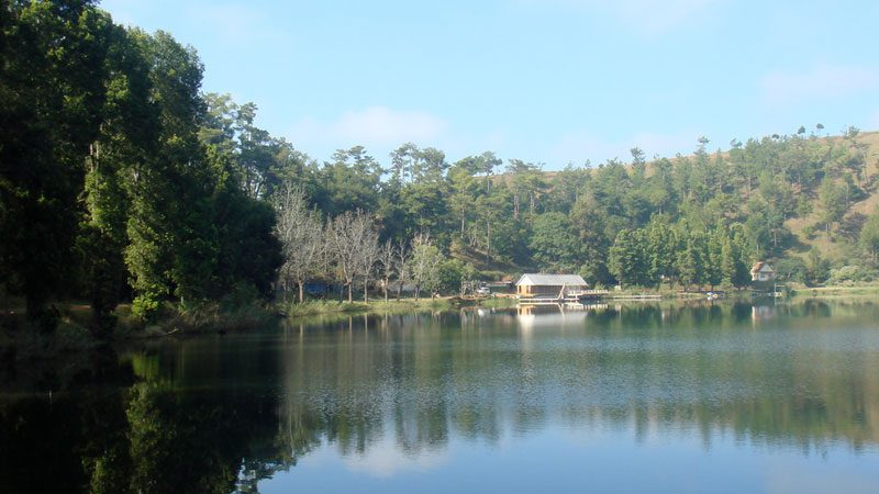 madagascar-andraikiba-lake-olivier-lejade