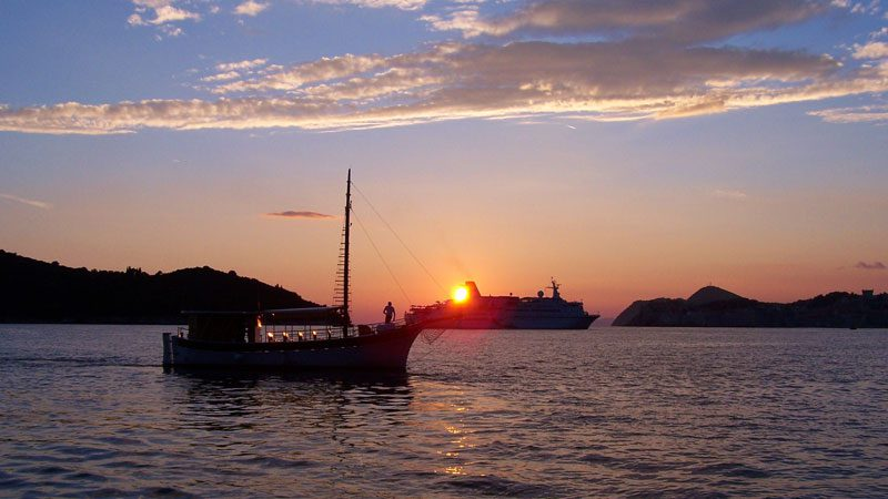 croatia-cruising-sunset-intrepid