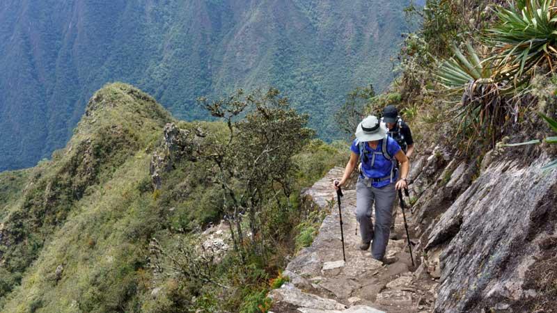 inca-trail-machu-picchu-trekker-intrepid