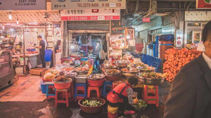 south-korea-food-trip-intrepid-market-stall