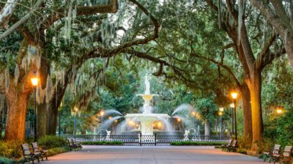 What to see on a walking tour of Savannah, USA