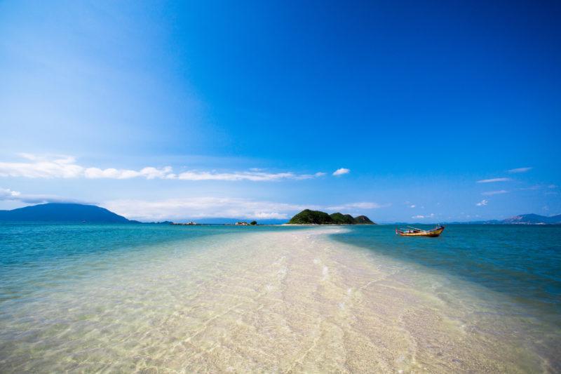 Bãi cát vàng ở Nha Trang
