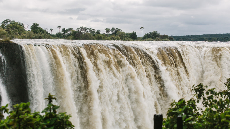 Safari in Botswana tour Victoria Falls