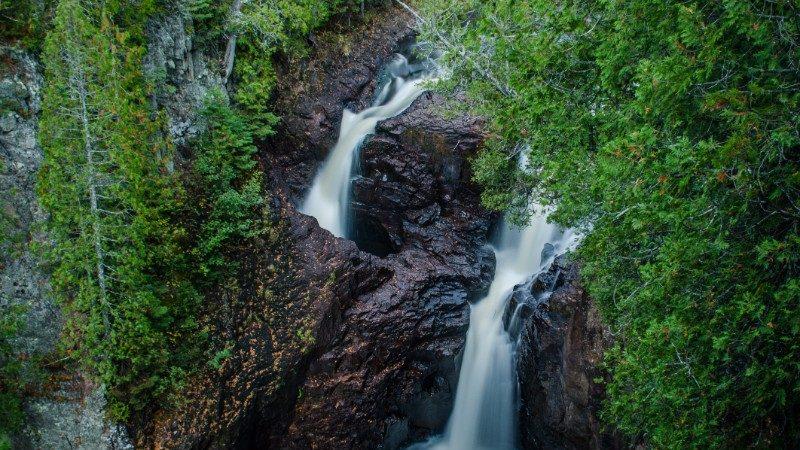 The Devil's Kettle waterfall