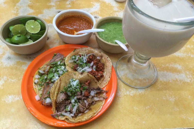 Mexico solo travel tacos