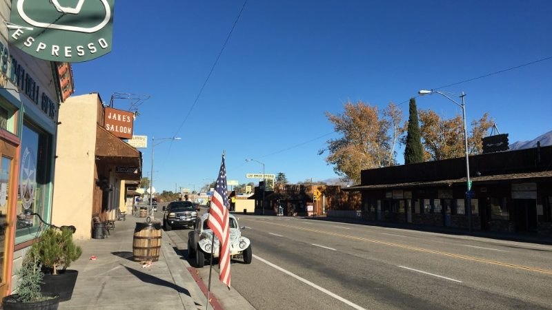 Empty main street in Lone Pine