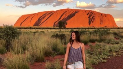 This is what it looks like when a Belgian backpacker moves to Uluru
