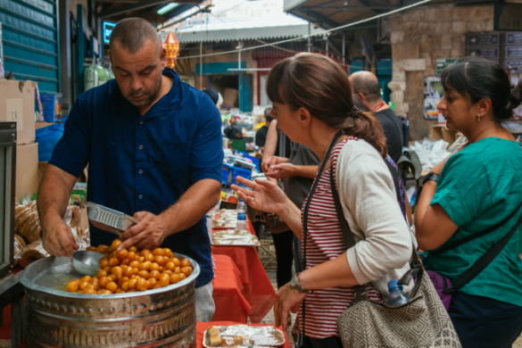 Haggling at an Israeli market
