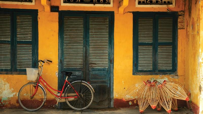 Yellow bike in Hoi An