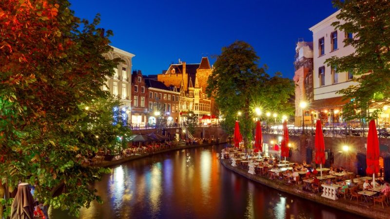 A scenic canal in Utrecht at dusk
