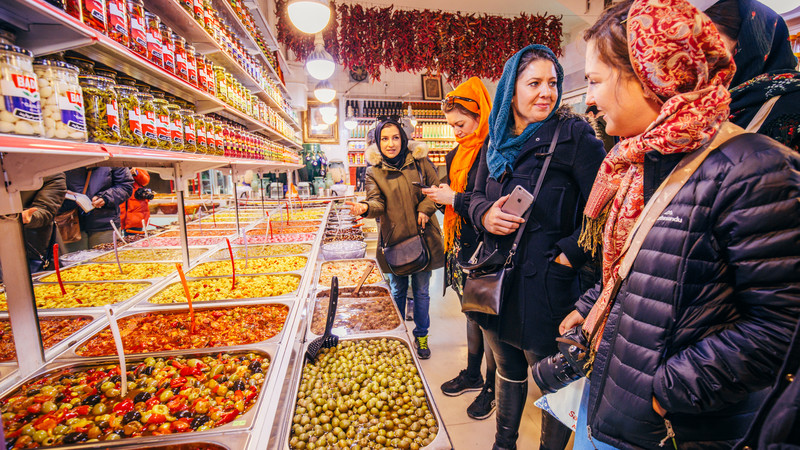 Female travellers in Iran