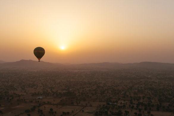 India tour Jaipur hot air balloon