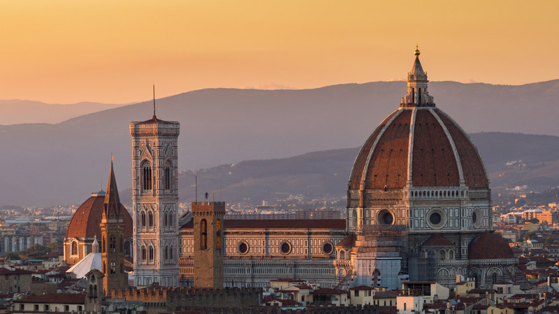 solo travel Italy Florence sunset
