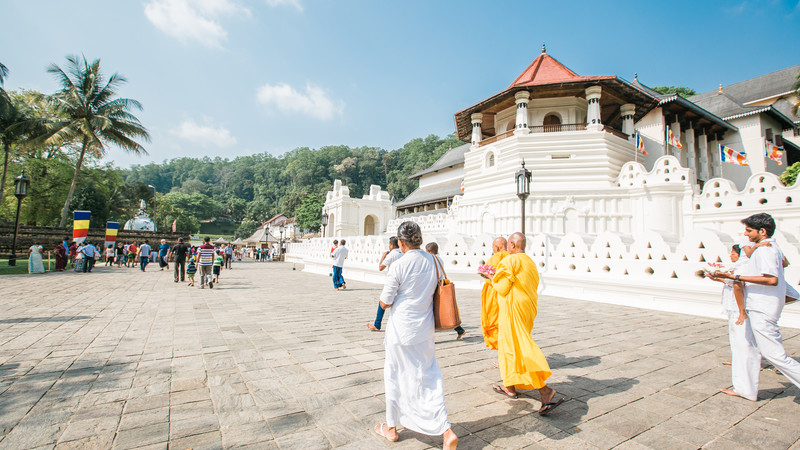 Locals at the Temple of the Tooth, Kandy