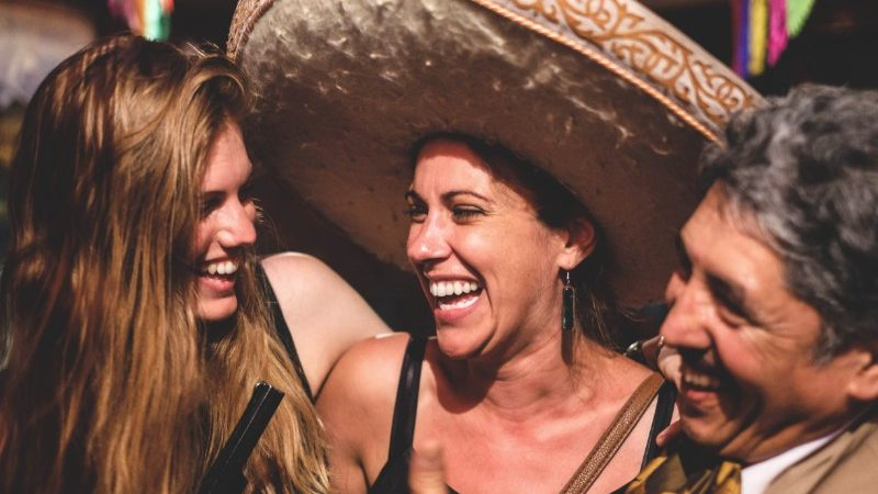 happy travellers in Mexico