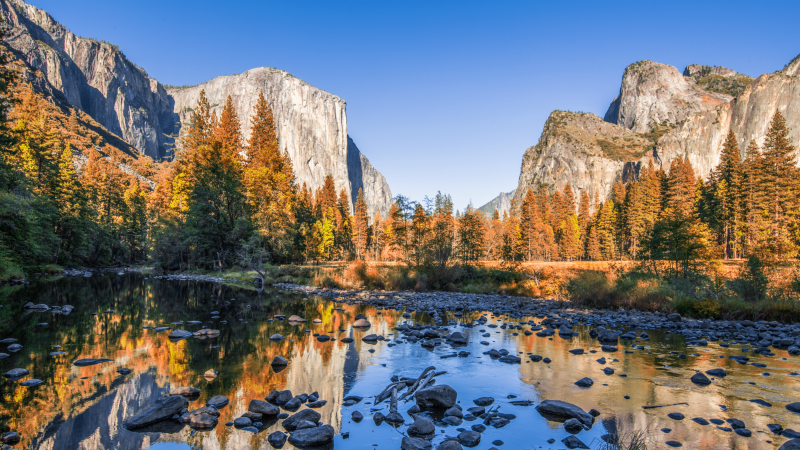 Views of Yosemite in autumn
