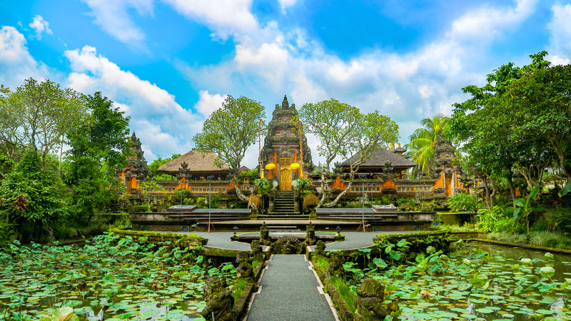 Bali one week guide Pura Taman Saraswati