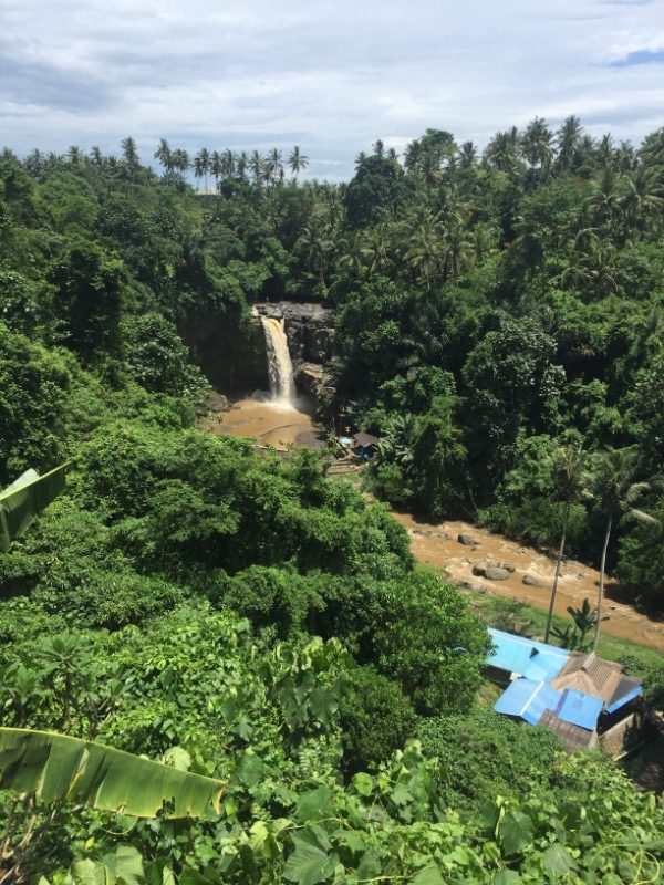 Bali on week guide Tegenungan Waterfall
