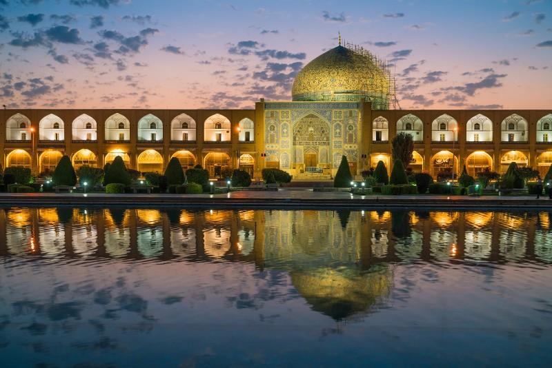 Iran tour realities