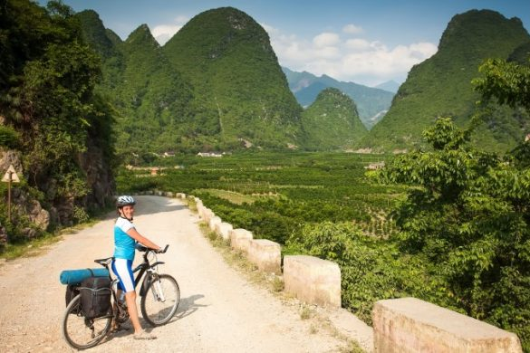 Discovering the Yangshuo countryside on two wheels