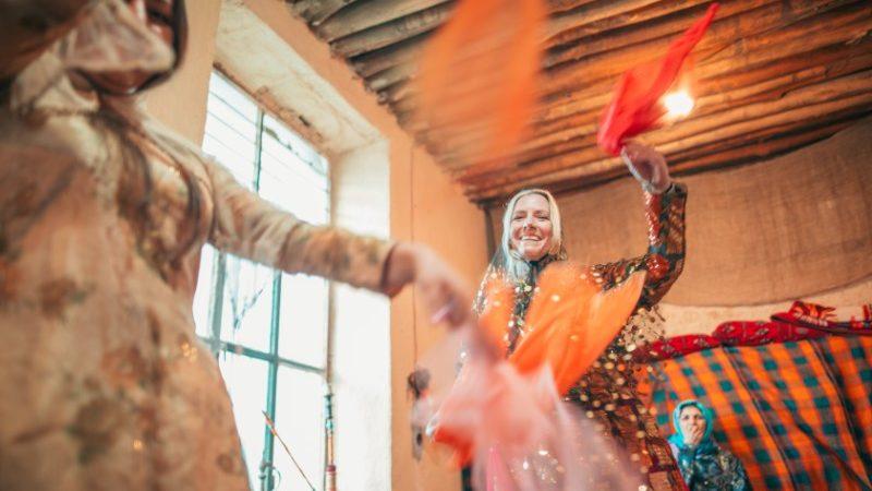 Women dancing in Iran