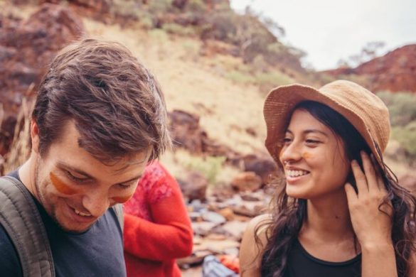 Two smiling travellers in Australia