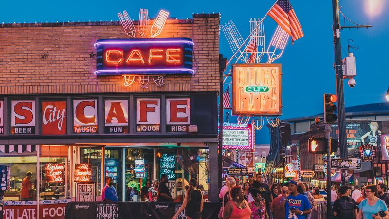 Neon cafe signs in Memphis