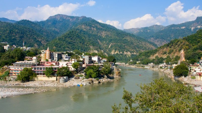 Photo of the Ganges River in Rishikesh, in India.