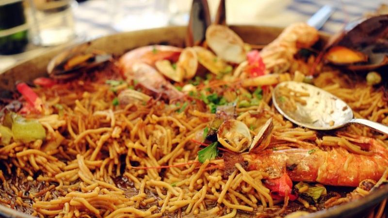 Dish of traditional Spanish noodle dish