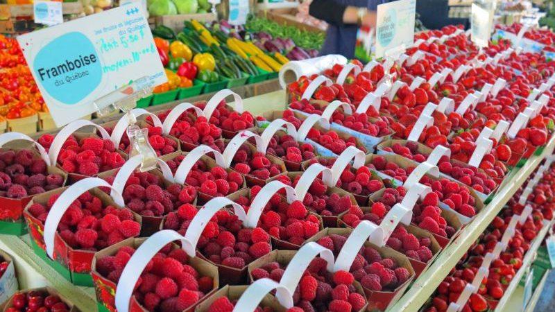 Fresh raspberries at the market