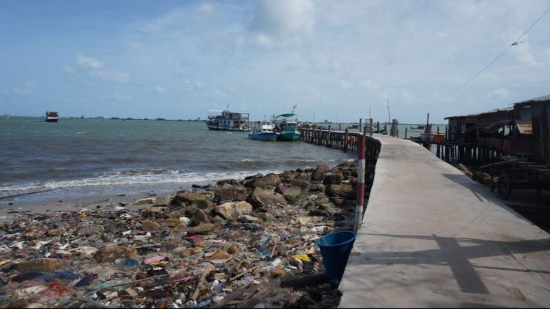 Litter-strewn pier in Sihanoukville