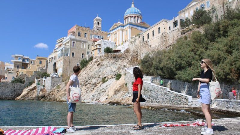 Leader and traveller in Syros