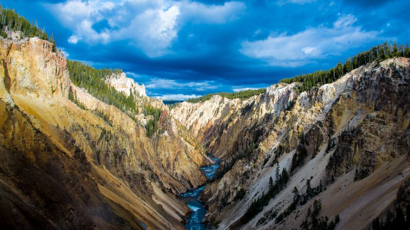 The Yellowstone River in the Grand Canyon of Yellowstone