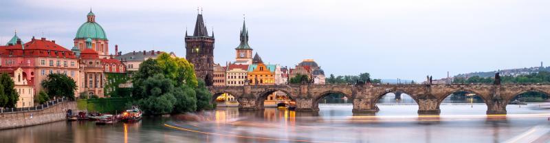 czech_prague_charles-bridge-river